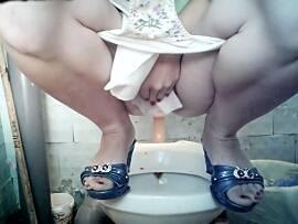 podglyadivanie-v-tualetah-polikliniki