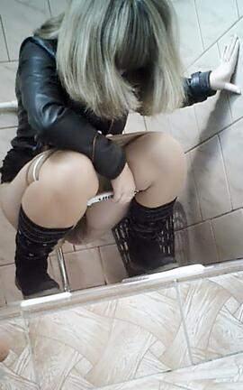 смотреть порно подглядывание в туалете колледжа что ролик русскую