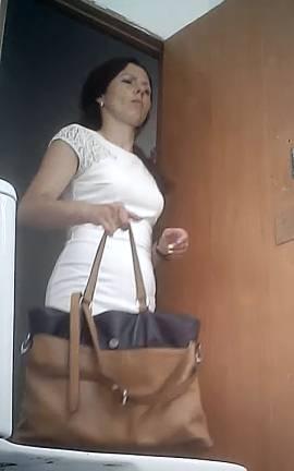 женский туалет в поликлинике смотреть онлайн она может