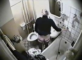 Скрытая камера в женской зоне #8